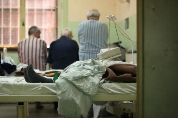 Lublin: pacjenci COZL leżą na korytarzach