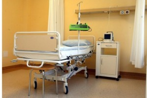 Głuchołazy: interna wciąż niedostępna dla pacjentów - brakuje lekarzy