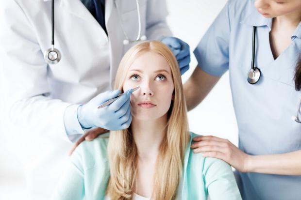 U chirurgów estetycznych ruch, czyli wkrótce lato