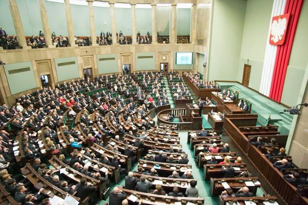 Parlament znowelizował prawo farmaceutyczne