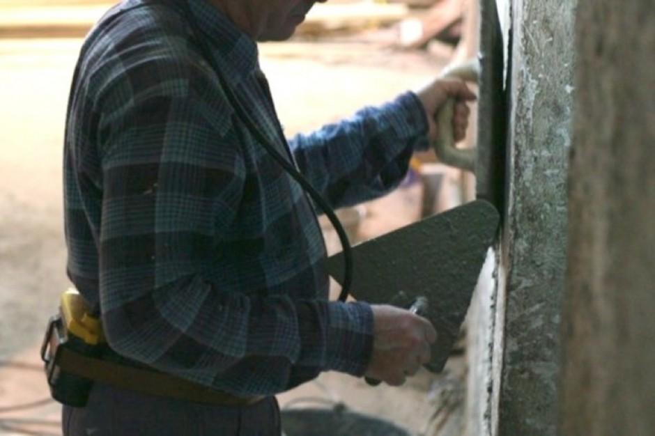 Czarnków: remont dachu szpitala za pieniądze parafian?