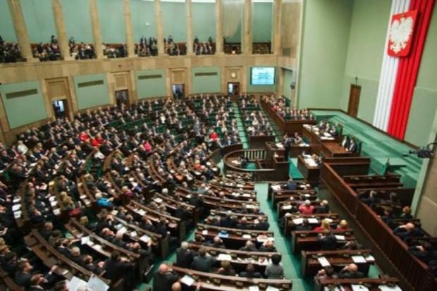 Projekt ustawy ''Za życiem'' przyjęty przez Sejm