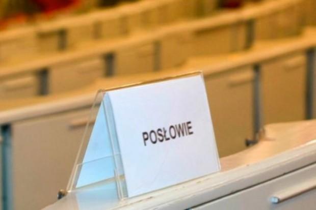 Poseł PiS: celem noweli o świadczeniach jest m.in. optymalizacja wydatków NFZ
