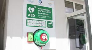 Defibrylatory AED ze specjalnymi obudowami w urzędach w Poznaniu