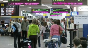 """Nieoficjalnie: wiadomo, kiedy Polska """"podłączy się"""" do testów tzw. paszportów covidowych"""