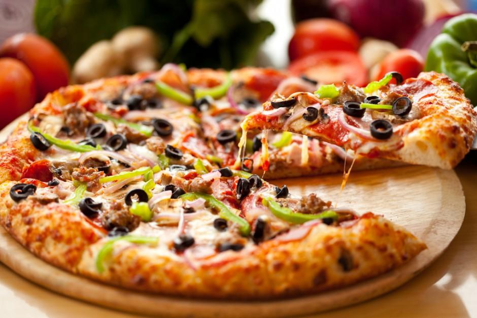 Mężczyźni jedzą więcej, by zaimponować kobietom?
