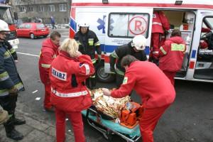Dolnośląskie: wypadek z udziałem karetki; ranna przewożona pacjentka