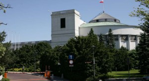 Protestujący nie zgadzają się na rehabilitację w Domu Poselskim - nie opuszczą Sejmu