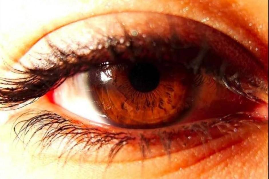 Mruganie ma znaczenie, czyli jak chronić się przed zespołem suchego oka