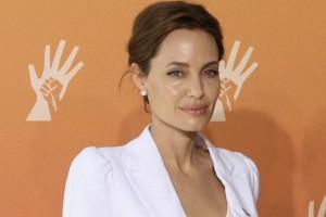 """Test na """"gen Angeliny Jolie"""" może uratować życie większej grupie kobiet"""