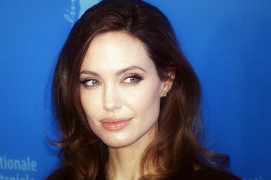 Angelina Jolie: przeszłam profilaktyczną operację usunięcia jajników