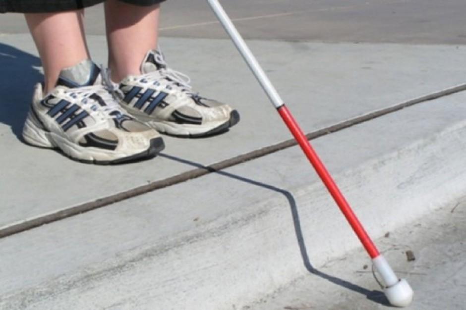 Poznań: akustyczne sygnalizatory pomogą niewidomym w poruszaniu się po mieście