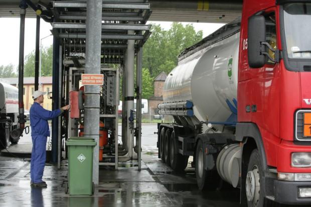 WHO: spaliny z diesla są bardziej rakotwórcze niż benzyna