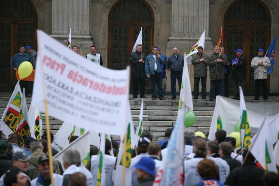 Manifestacja OPZZ: jednak bez pielęgniarek