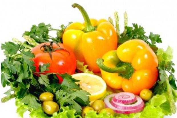 GUS: Polacy jedzą coraz więcej owoców i warzyw