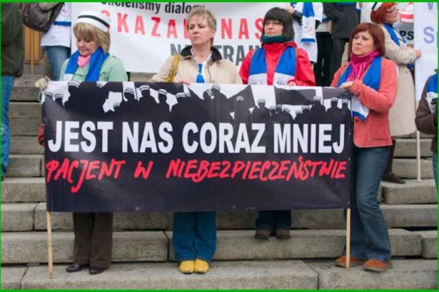 Protest pielęgniarek: na razie były pikiety - kolejne decyzje zapadną wkrótce