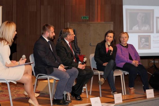 Sosnowiec: dyskusja o trudnej sytuacji kobiet z zaawansowanym rakiem piersi