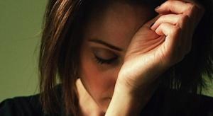 Jesteś kobietą, zniesiesz więcej bólu - ten stereotyp wciąż ma się dobrze