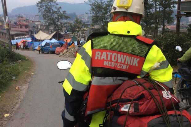Dramat w Nepalu. Tak polscy strażacy i ratownicy niosą pomoc