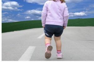 Autyzm może mieć związek z niedoborem jednego z hormonów podczas ciąży