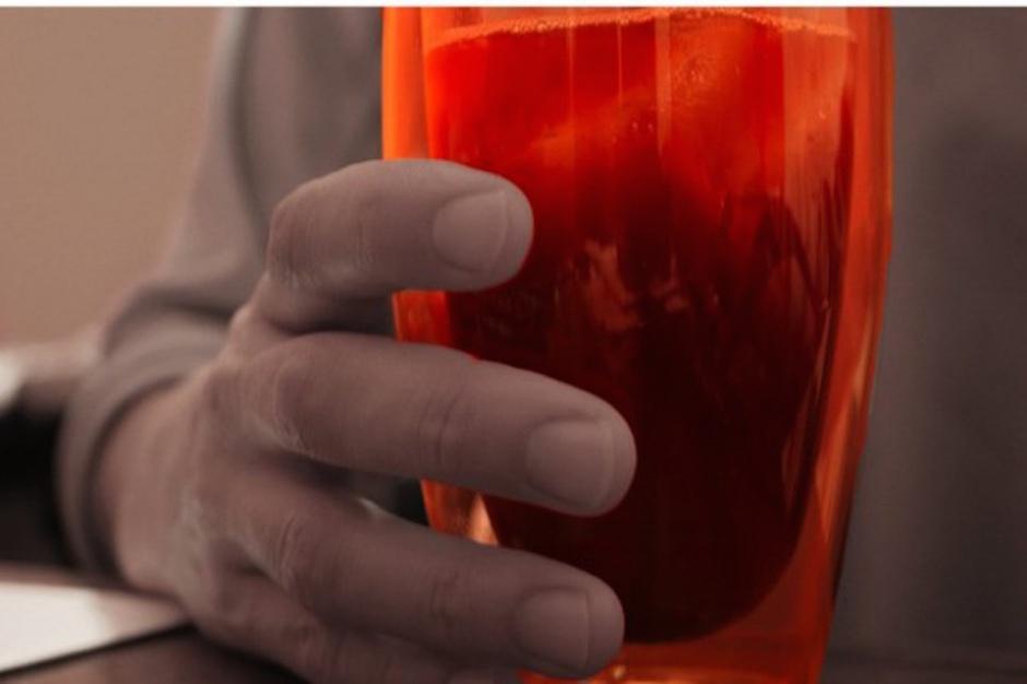 Naukowcy: im częstsze picie słodzonych napojów, tym większe ryzyko wczesnego zgonu
