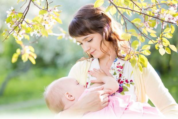 Problem z karmieniem piersią - pomoże protokół oceny ssania