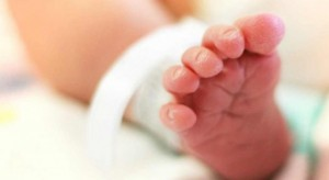 Zgierz: dziewczynka urodziła się zdrowa, mimo że rodzice są zakażeni koronawirusem