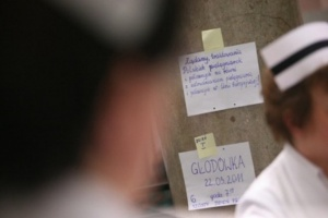Sanok: dwie głodujące pielęgniarki trafiły do SOR