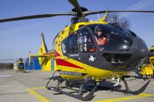Olesno: na przyszpitalnym lądowisku usiadły dwa helikoptery LPR
