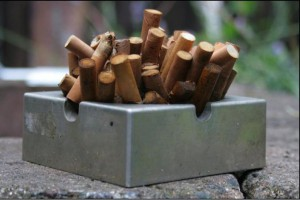 WHO: ludzkość wypala rocznie 90 mld papierosów