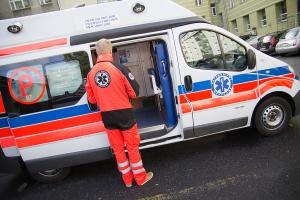 Zaatakował nożem łódzkich ratowników medycznych, gdy chcieli udzielić mu pomocy