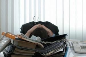 Połowa zwolnień lekarskich podyktowana jest... stresem