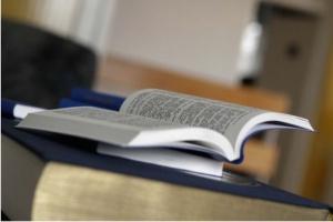 Białystok: szpital udostępnia pacjentom książki, by nie myśleli o chorobie