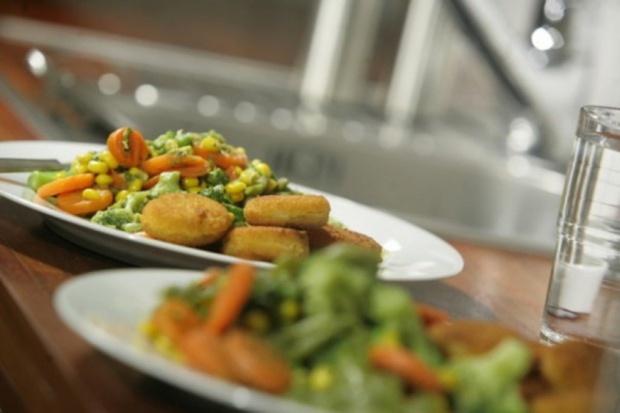 Kielce: szpitalny obiad na plastikowym talerzu wielokrotnego użytku