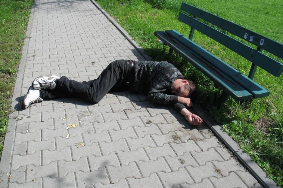 Radom: pijane osoby zamiast do szpitala - trafiają na policję