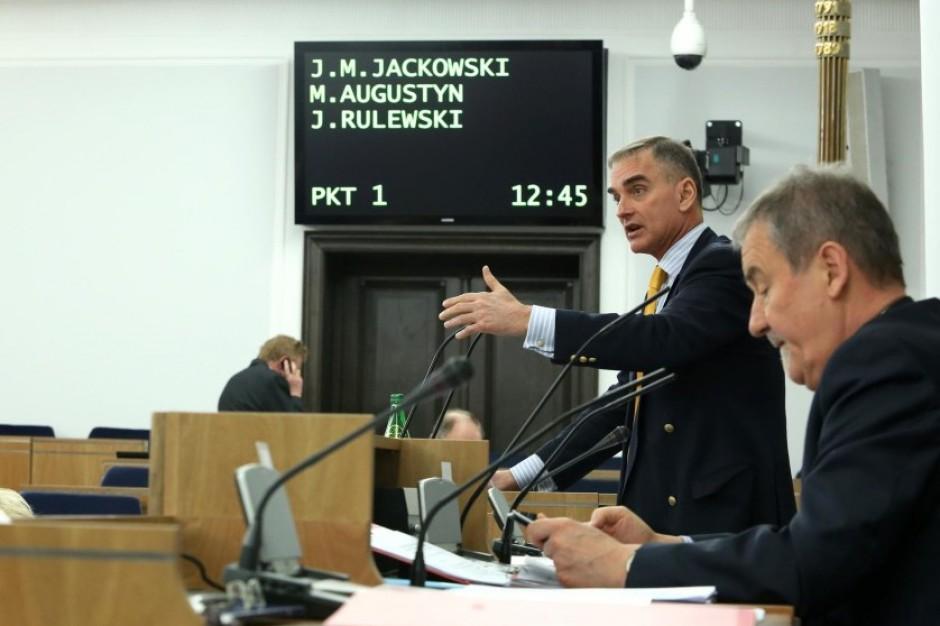 Senatorowie: obecny system nie gwarantuje, że będzie przybywać młodych lekarzy