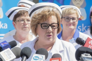 Pielęgniarki oczekują, że teraz resort pracy przedstawi propozycję podwyżek