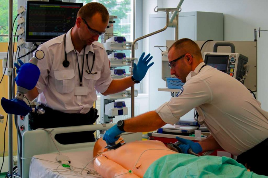 Centrum Symulacji Medycznej wyszkoli cywilnych i wojskowych medyków