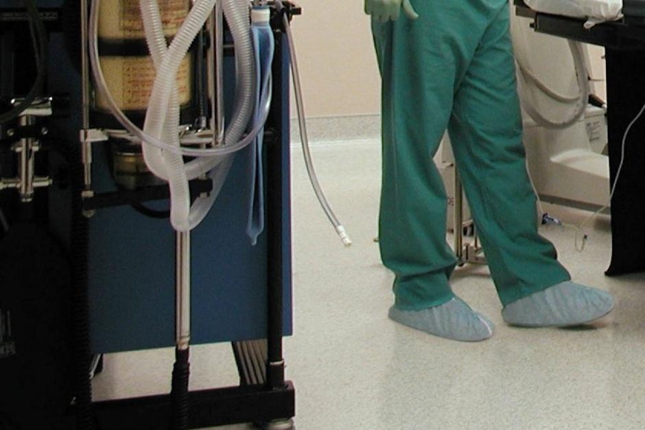Sosnowiec: ordynator diagnozował pacjenta nogą, sprawę wyjaśnia prokuratura