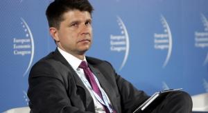 Petru apeluje do rządu o raport z działań ws. smogu i odwołanie ministra zdrowia