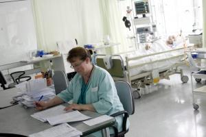 Średnia wieku pielęgniarek to prawie 51 lat