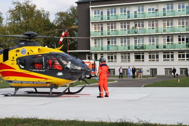 Skierniewice: lądowisko przy szpitalu przyjęło pierwszy lot ratunkowy