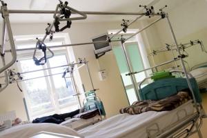 Niecierpliwi, zdesperowani, agresywni, pijani, czyli kto ucieka ze szpitali