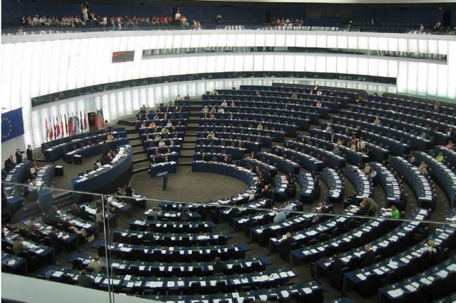 Europosłowie za częściowym zakazem sprzedaży leków weterynaryjnych przez internet