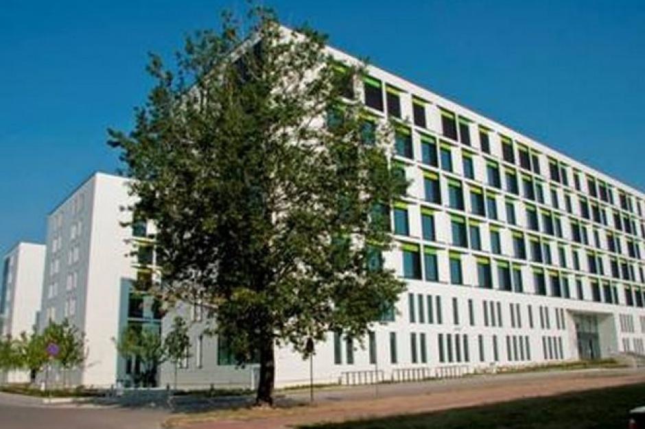 Warszawa: nowa siedziba dziecięcego szpitala WUM większa o 156 łóżek