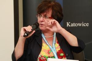 Kluzik-Rostkowska: drożdżówki wrócą do sklepików szkolnych