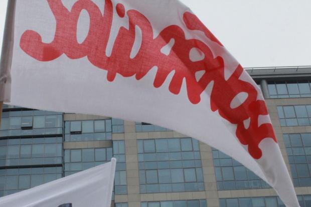 """Związkowcy z """"S"""" będą protestować w poniedziałek przed Ministerstwem Zdrowia"""