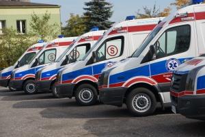 Warszawa: 10 karetek na miejscu wypadku autobusu miejskiego