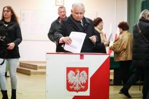 Rzeczniczka PiS: Jarosław Kaczyński przeszedł zabieg kolana w WIM