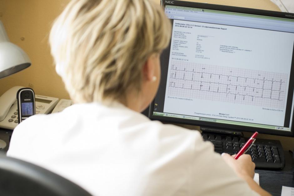 Wizyty domowe: w 2019 roku pielęgniarka zbada pacjenta i wypisze receptę